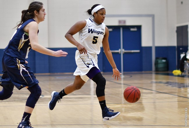 Women's basketball beats Carson-Newman on Senior Day at Cuddy
